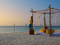 The Island Hideaway at Dhonakulhi Maldives - Пляж